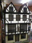 dolls houses and collectables